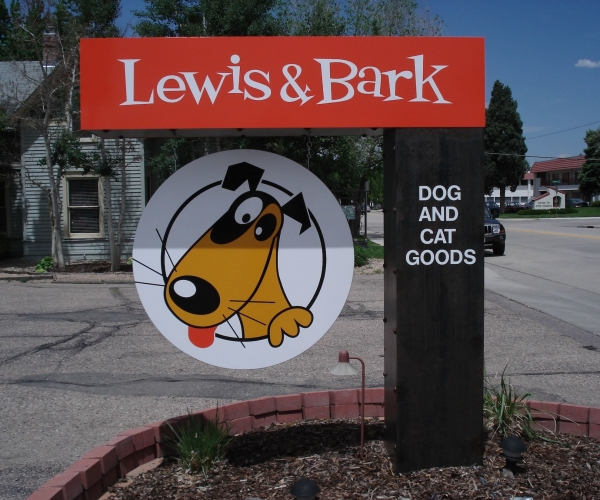 blade_signs_lewis-and-bark